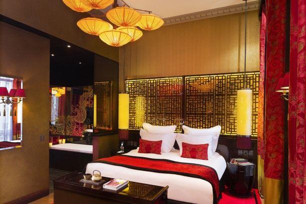 Buddha-bar Hôtel Paris ***** Suite Historique - espace chambre et salle de bain