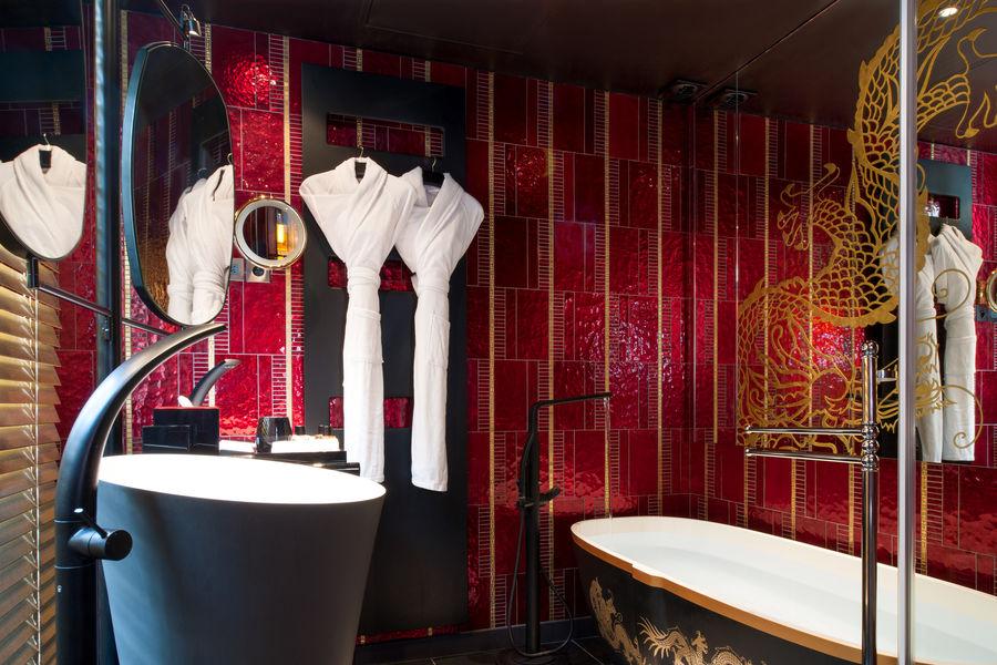 Buddha-bar Hôtel Paris ***** Salle de bain chambre Supérieure Queen