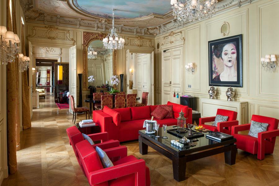 Buddha-bar Hôtel Paris ***** Espace salon dans notre Grande Suite Historique