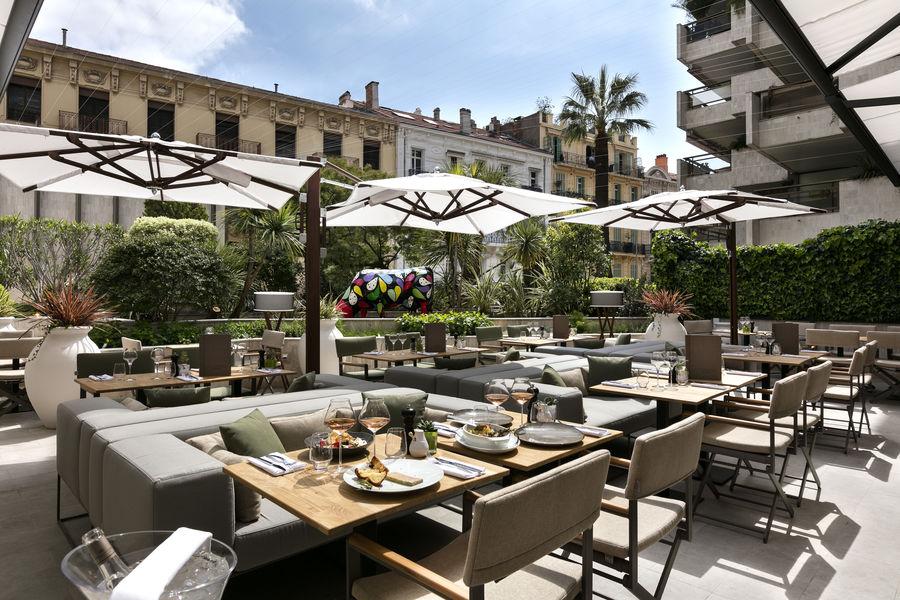 Hôtel Barrière Le Gray d'Albion Cannes  Terrasse