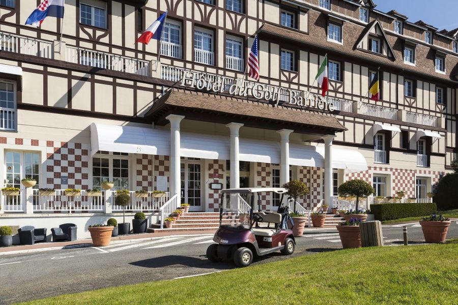 L'Hôtel du Golf **** Extérieur