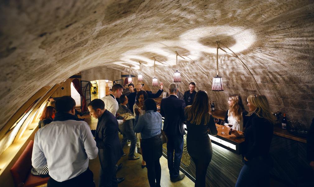 Les Caves du Louvre L'espace Bar à Vin