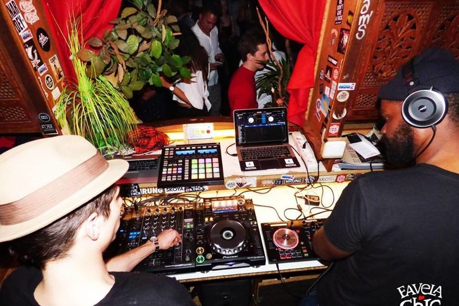 Favela Chic DJ