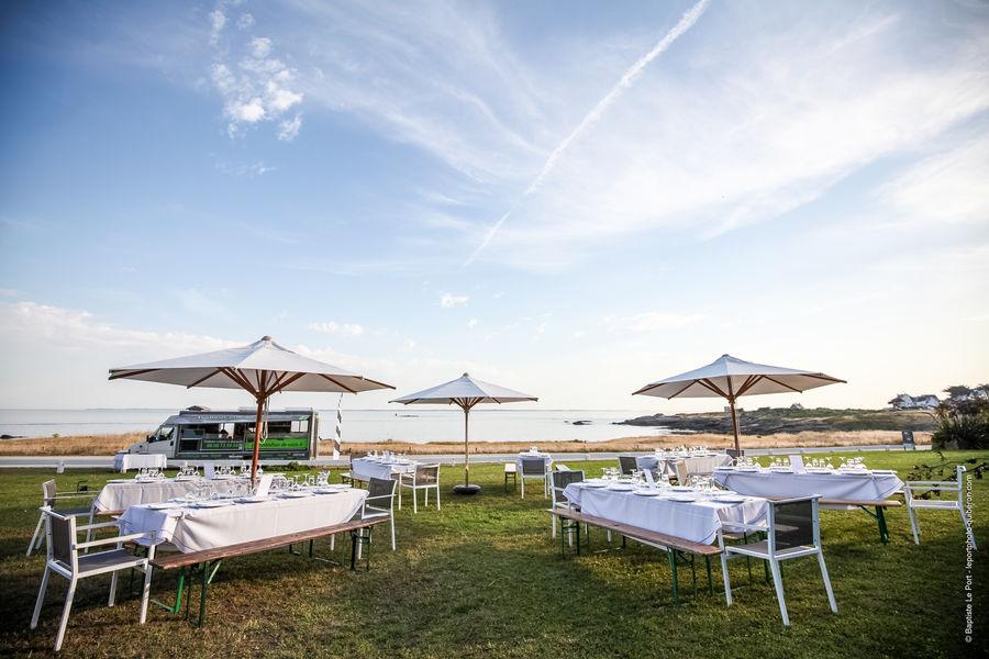 Sofitel Quiberon Thalassa sea & spa Déjeuner ou Dîner assis en extérieur face à l'Ocean