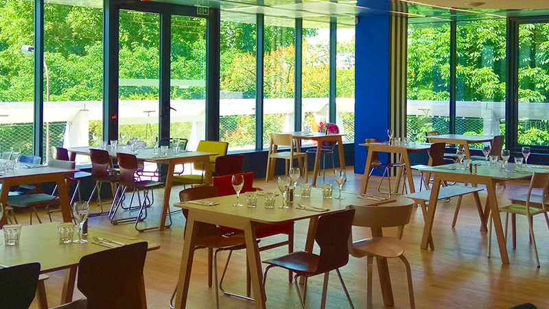 YOOMA Urban Lodge Notre salle de restaurant, avec une capacité de 130 couverts