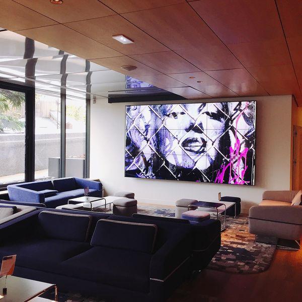 YOOMA Urban Lodge Bar-lobby-loung avec une capacité de 80 places
