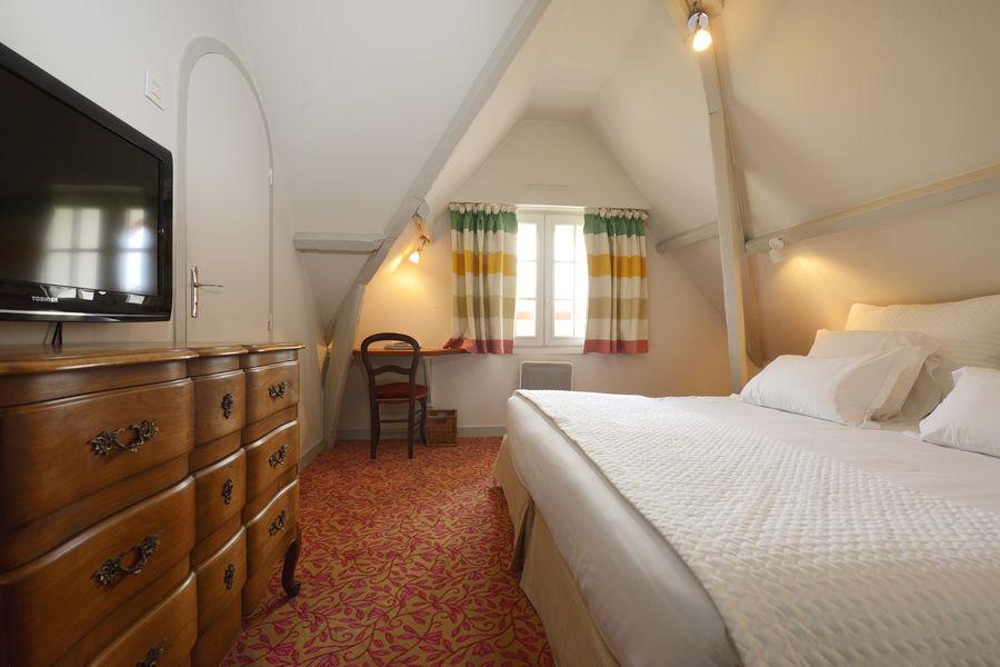 Le Saint-Christophe *** Chambre dans la Villa Ste-Claire