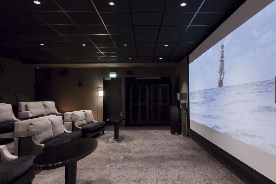 Hôtel Marignan Champs-Elysées ***** Salle de projection