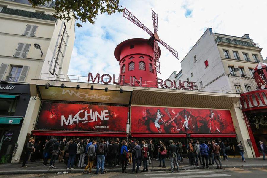 La Machine du Moulin Rouge La Machine du Moulin Rouge vue de l'extérieur
