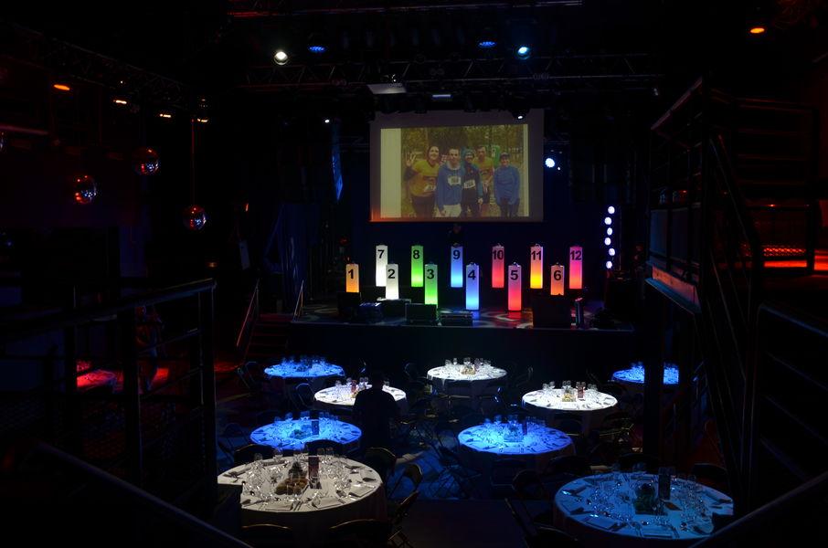 La Machine du Moulin Rouge Le Central format dîner assis