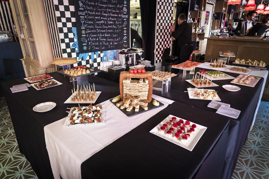La Machine du Moulin Rouge Le Bar à bulles (A) & sa terrasse - format cocktail déjeunatoire