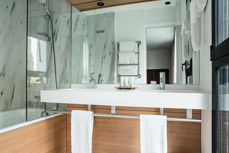 Hôtel Forest Hill Meudon Vélizy **** Salle de bain