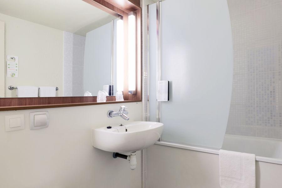 Campanile Nîmes Centre Salle de bain