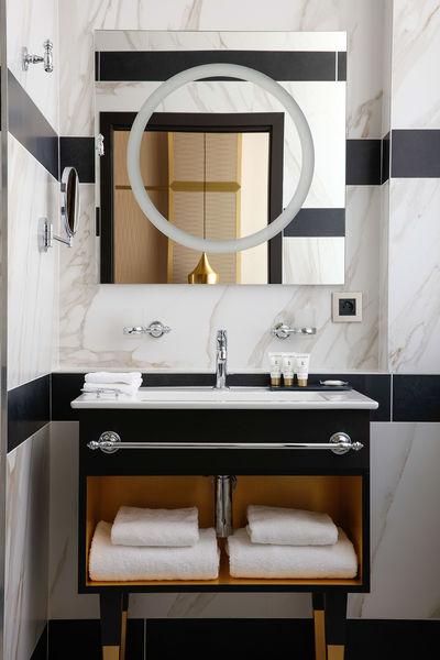 Niepce Paris, Curio Collection by Hilton Hôtel Niepce Paris - Chambre privilège salle de bain