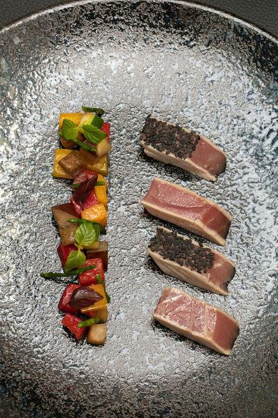 Niepce Paris, Curio Collection by Hilton Restaurant La Verriere Paris - THON ROUGE MI-CUIT passe Pierre juste sauté, Tartare de légumes à l'huile de sésame et Barbe de capucin