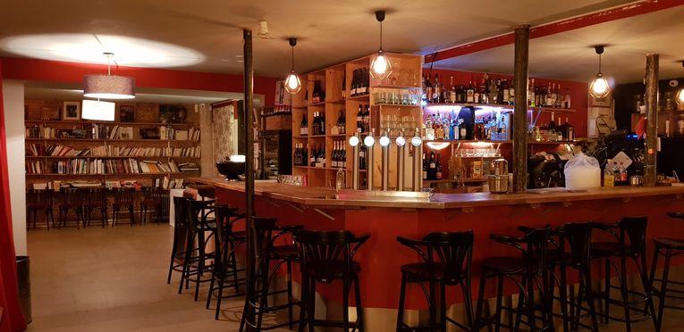 Angle de vue du Bar, avant la nouvelle peinture (bleue)