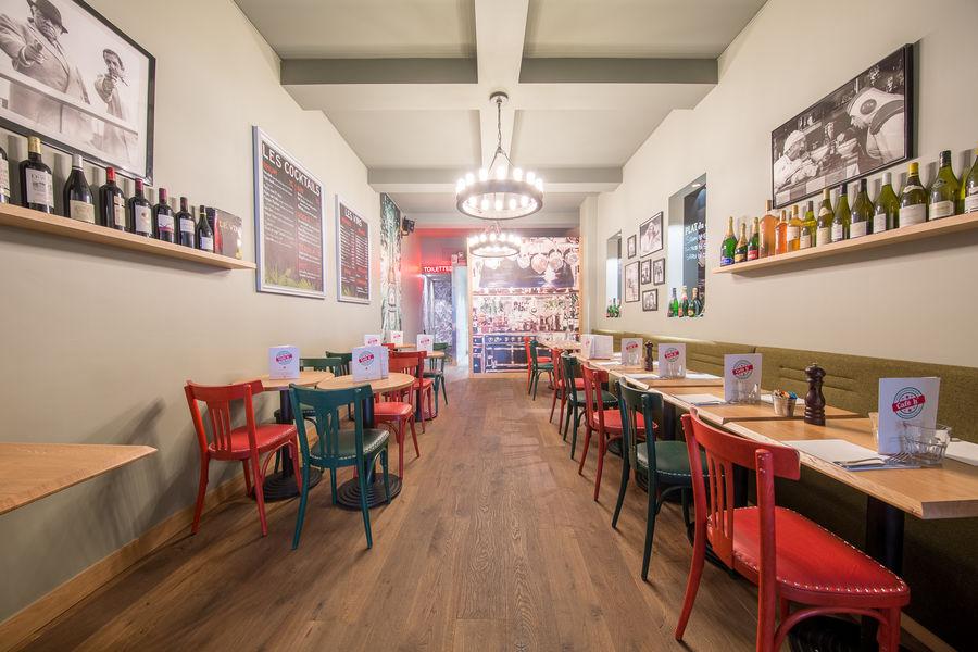 Le Café H  La salle du bas
