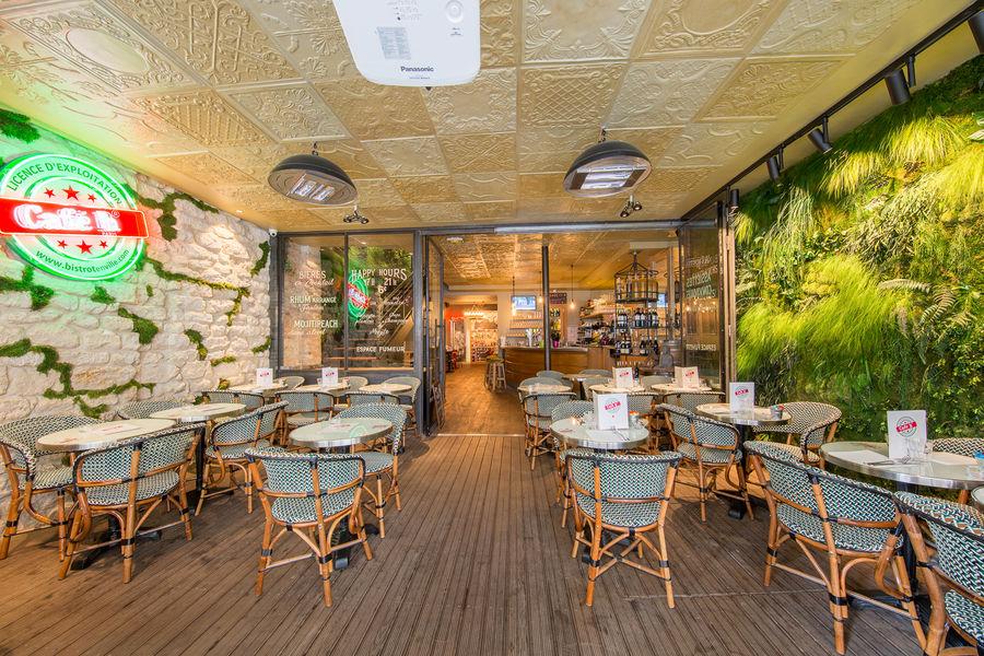 Le Café H  La terrasse chauffée