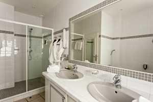 Najeti Hôtel la Magnaneraie **** Salle de bain