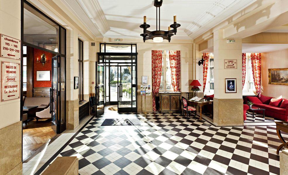 Najeti Hôtel de la Poste **** Hall d'entrée