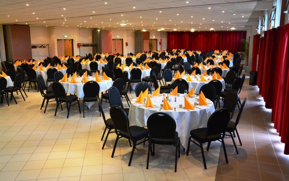 Espace événementiel Les Esselières Salon 1+2+3+4 en repas