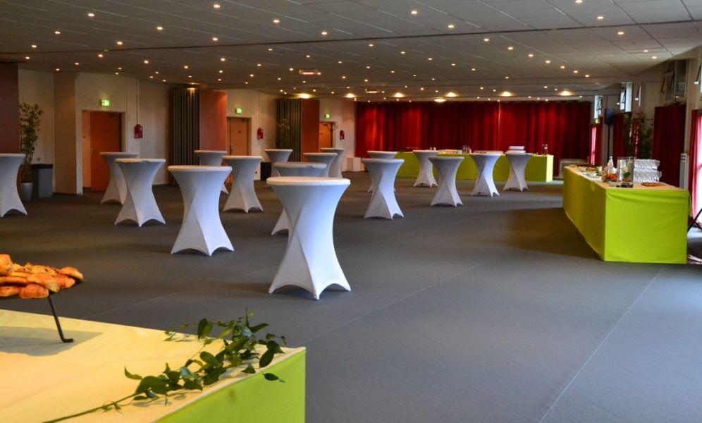 Espace événementiel Les Esselières Salon 1+2+3+4 en cocktail