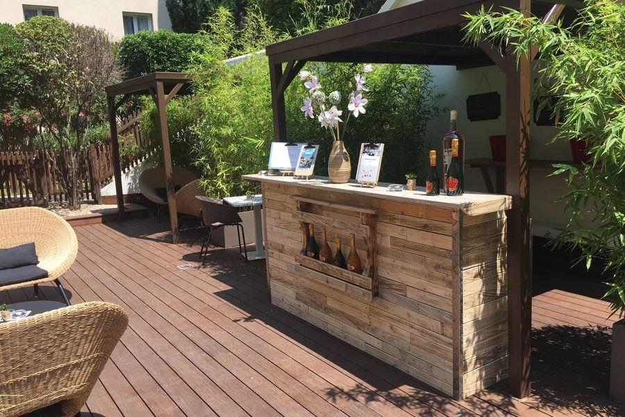Mercure Pont d'Avignon Centre **** Bar du Jardin intérieur