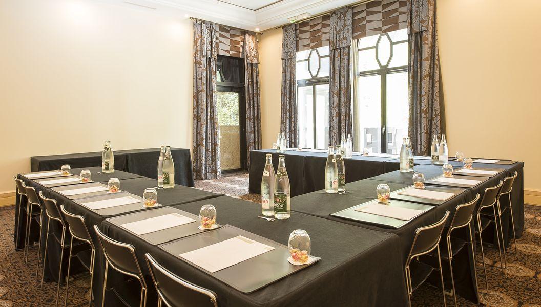 """Domaine le Lyon Vert Salon Georges situé au """"Pavillon de la Rotonde"""""""