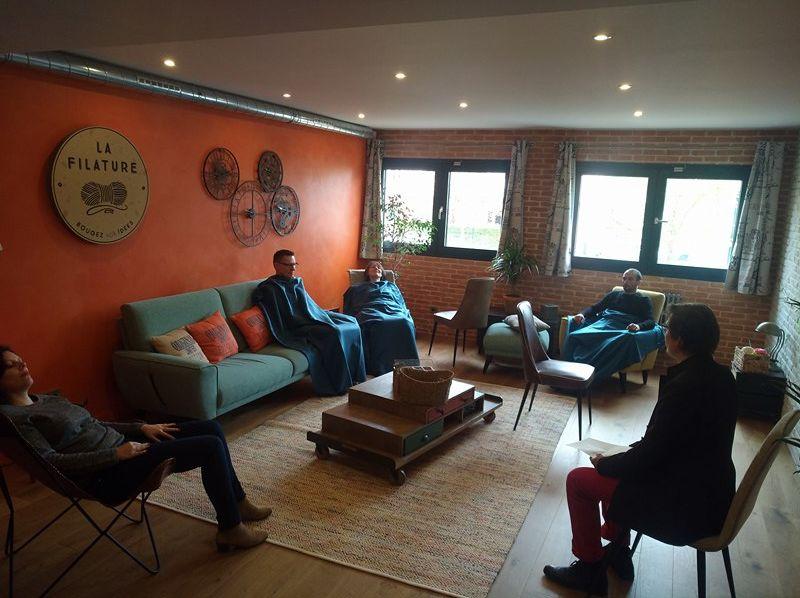 La Filature Atelier d'initiation à la sophrologie, confortablement installé dans le salon de La Filature