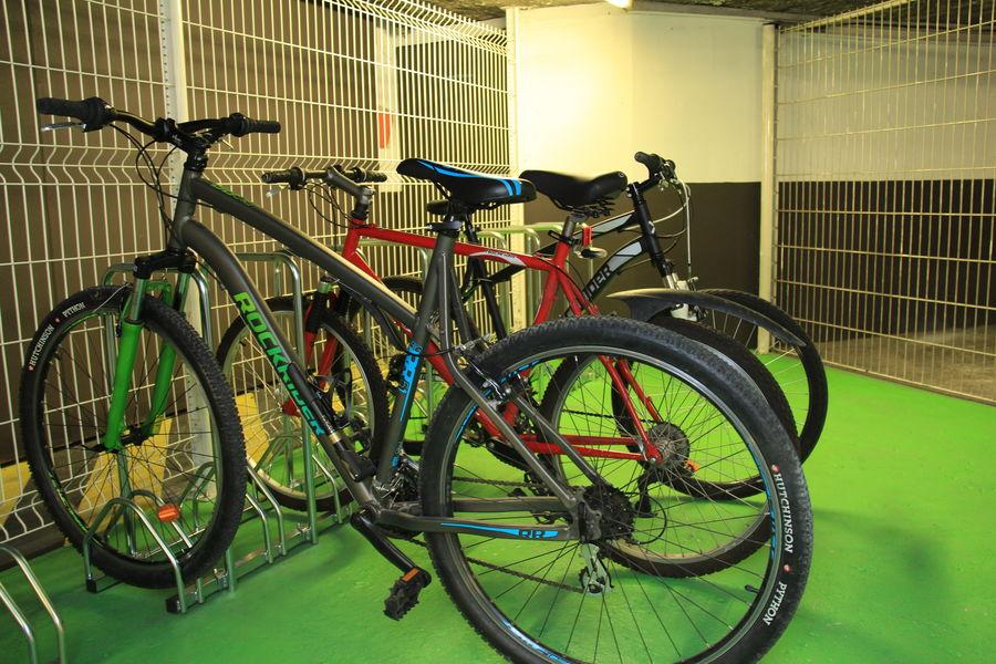 Hôtel Ibis Lyon Gerland Musée des Confluences *** Garage à vélos sécurisé clos