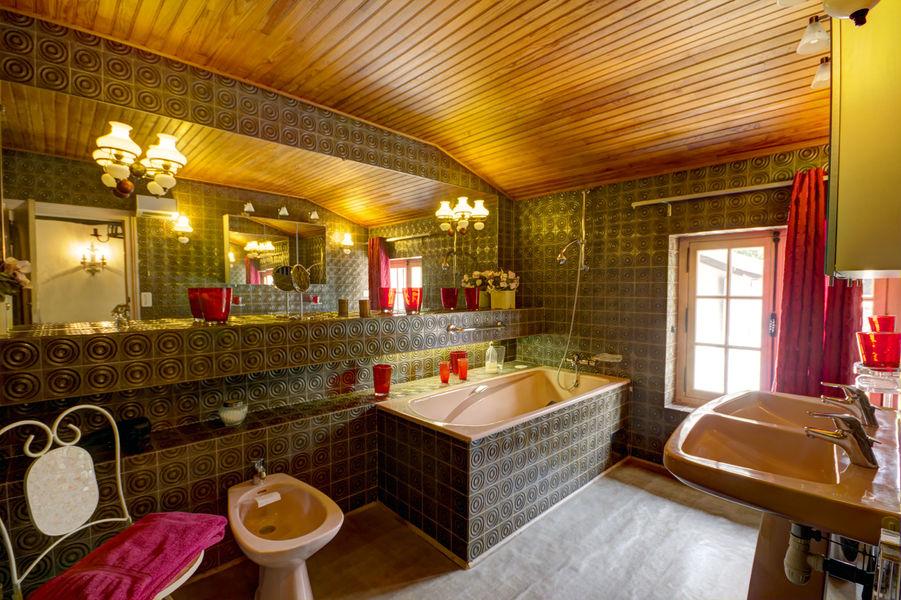 Gite Des Roties salle de bain baignoire