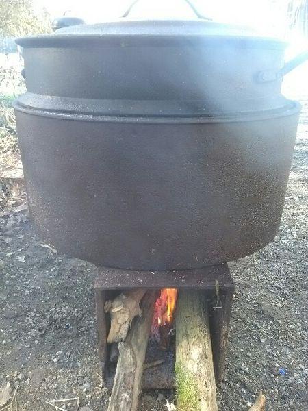 Gite Des Roties cuisine authentique au chaudron