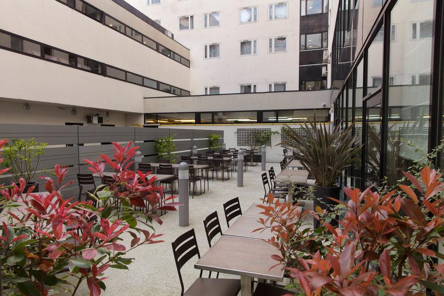 Campanile Paris XIX La Villette Terrasse 2