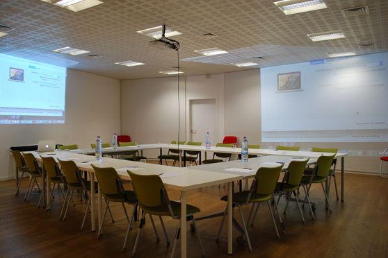 Louer salle de réunion pour 70 personnes à Paris proche Porte de la Chapelle