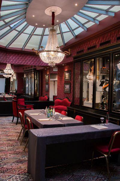 """Grand Hôtel de l'Opéra **** Salon Verrière en disposition en """"U fermé"""""""