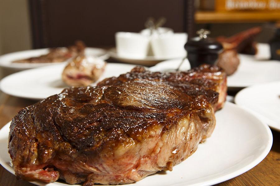 Le Boeuf Maillot Bistrot à viande