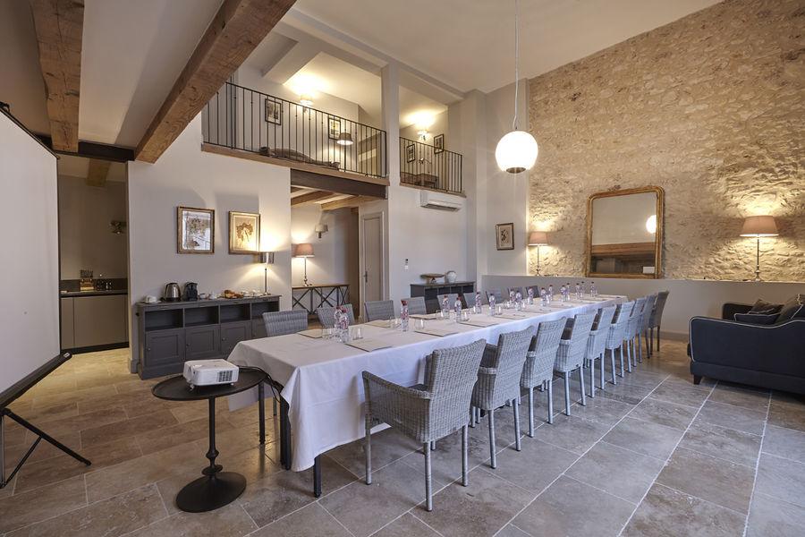 Domaine St Pierre de Serjac Salon en maison 5