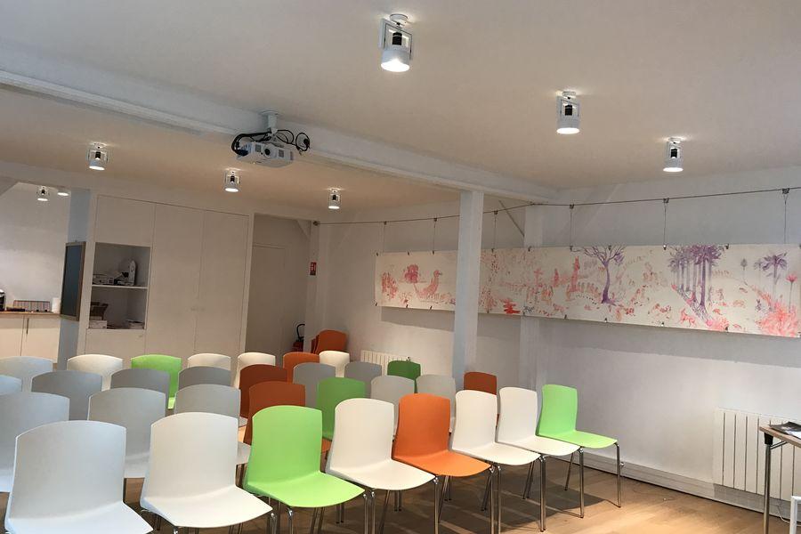 Stillpoint Spaces Grande salle en disposition pour conference (50 personnnes)
