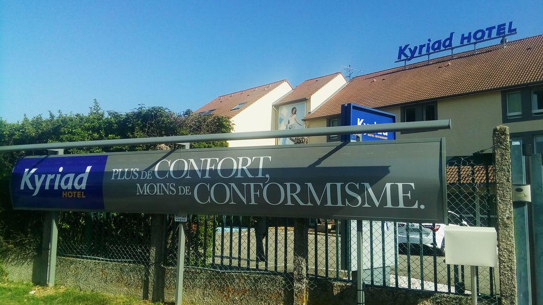 Kyriad Lyon Est Saint Bonnet De Mure *** Façade