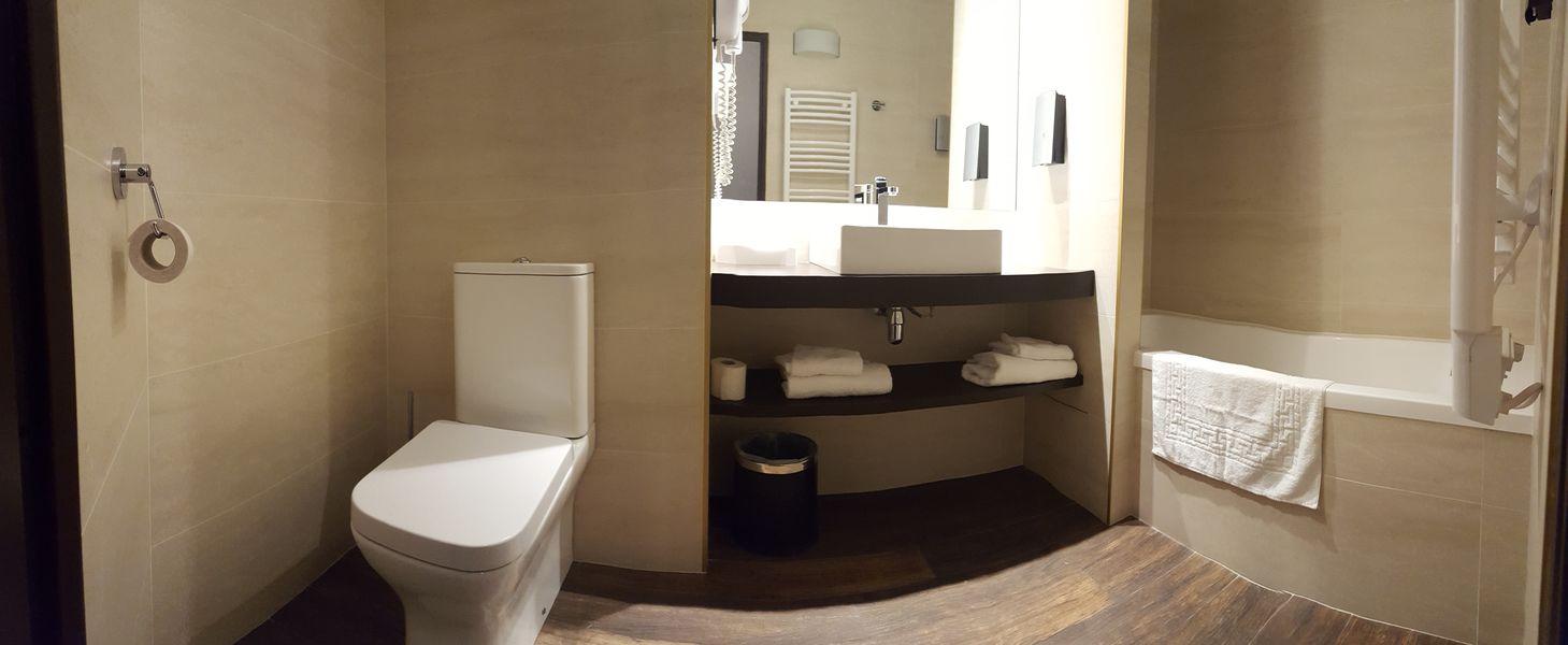 Le Mas des Portes de Provence Salle de bain