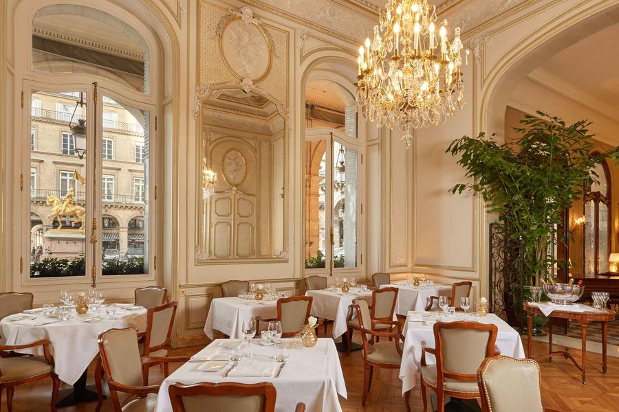 Hôtel Regina ***** Restaurant Le Boudoir