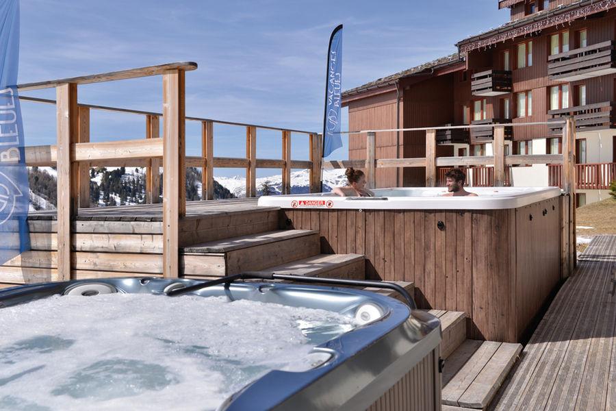 La Plagne 2100 Spa de nage sur la terrasse