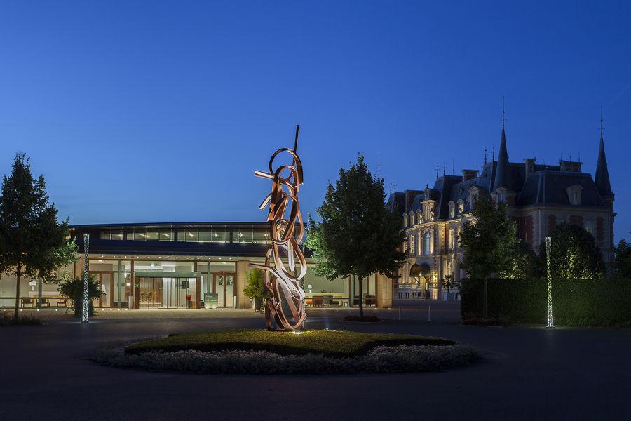 Campus Serge Kampf Les Fontaines Entrée de nuit