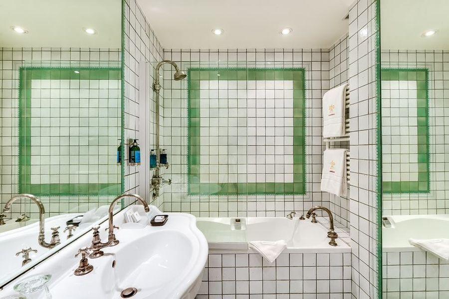 Cazaudehore La Forestière Relais & Châteaux Salle de bain
