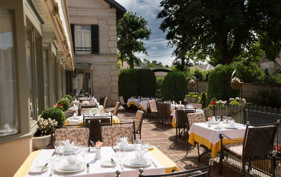 Hotel Relais D'Aumale *** LA TERRASSE D'ETE