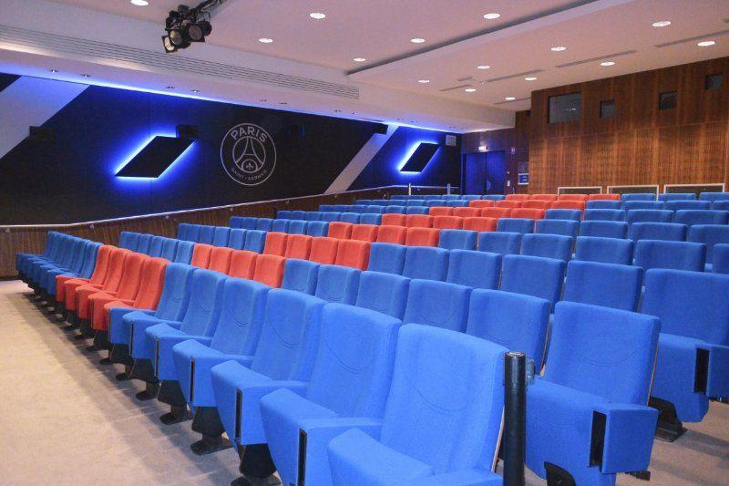 Parc des Princes Auditorium - capacité 140 personnes assises