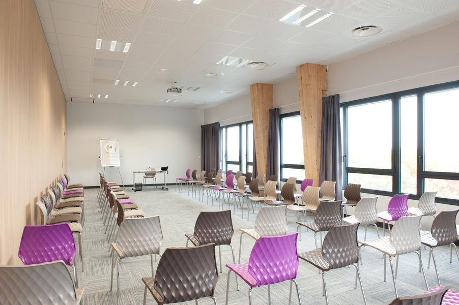 Campanile Limoges Centre Gare Salon 100m² - Ville ou Jardin en conférence