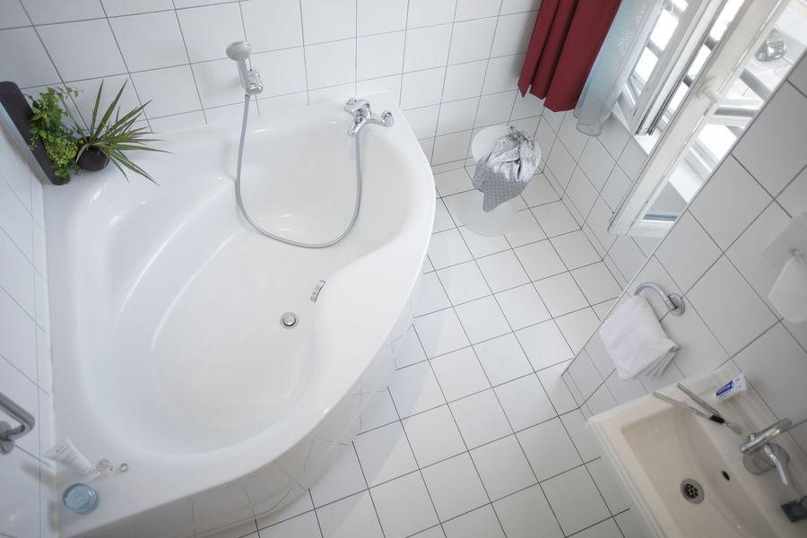 Collège Hôtel **** Salle de bain chambre 3ième cycle