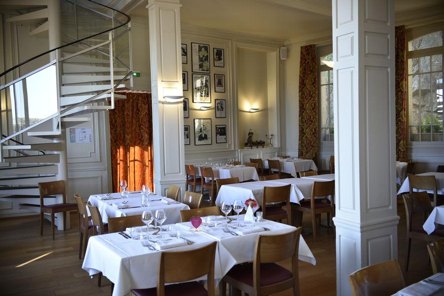 La Mère Poulard *** Salle premier étage Auberge La Mère Poulard