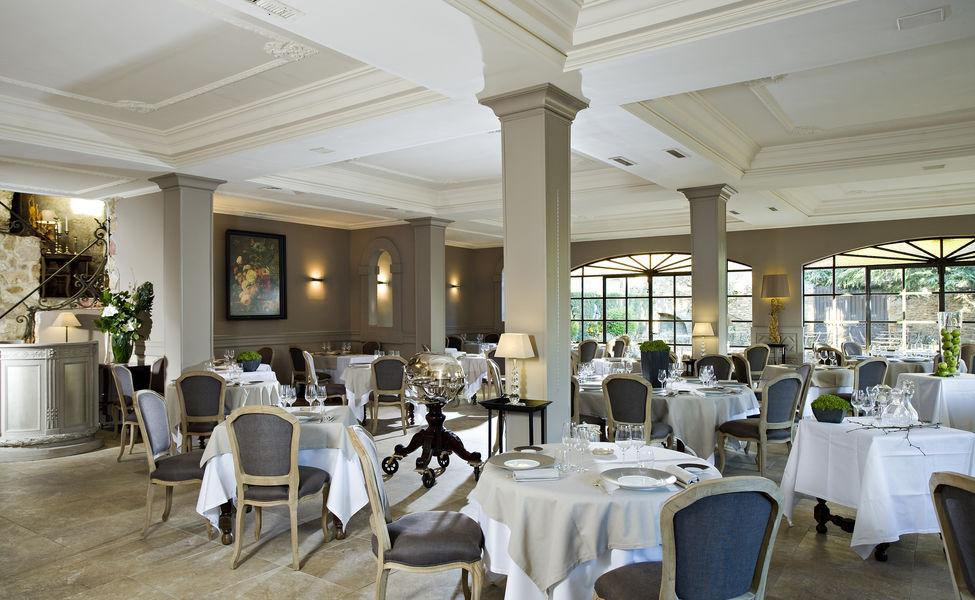 Château de Rochegude Salle de restaurant
